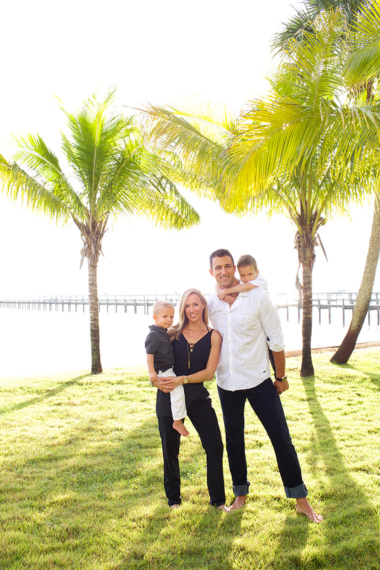 family-photography-in-their-waterfront-backyard-with-palm-trees_Robert-Holland-_-Big-Fish-Studios