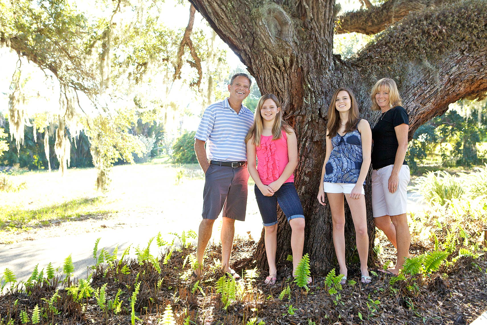 family_photography_neighborhood_MG_3197Robert_Holland_Big_Fish_Studios